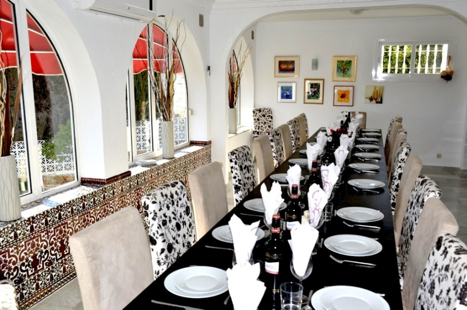 Villa Los Arcos dining room