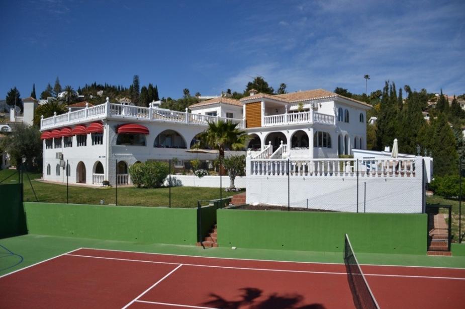 Villa Los Arcos tennis 2