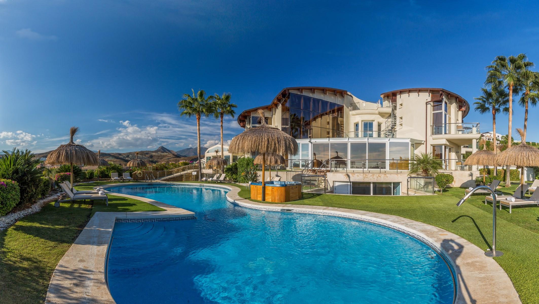 Villa el cid stunning 10 bedroom holiday rental villa for 5 bedroom house with pool