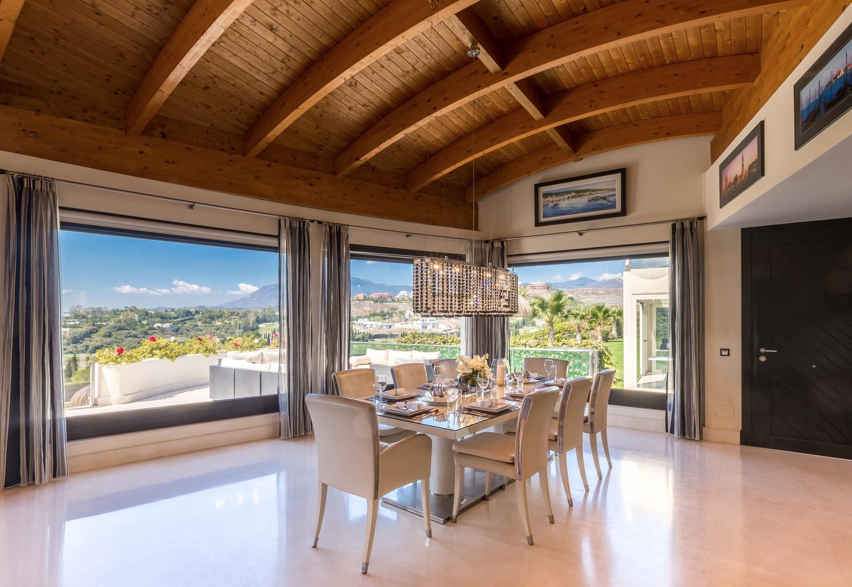 13-villa-el-cano-dining-with-view