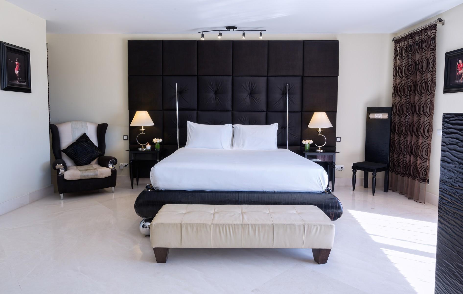 17-villa-el-cano-master-bedroom-ground-floor-1