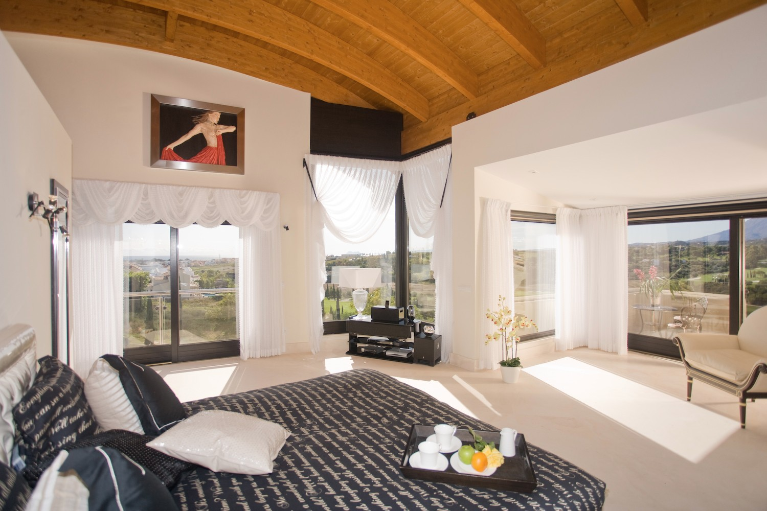 20-master-bedroom-with-private-terrace