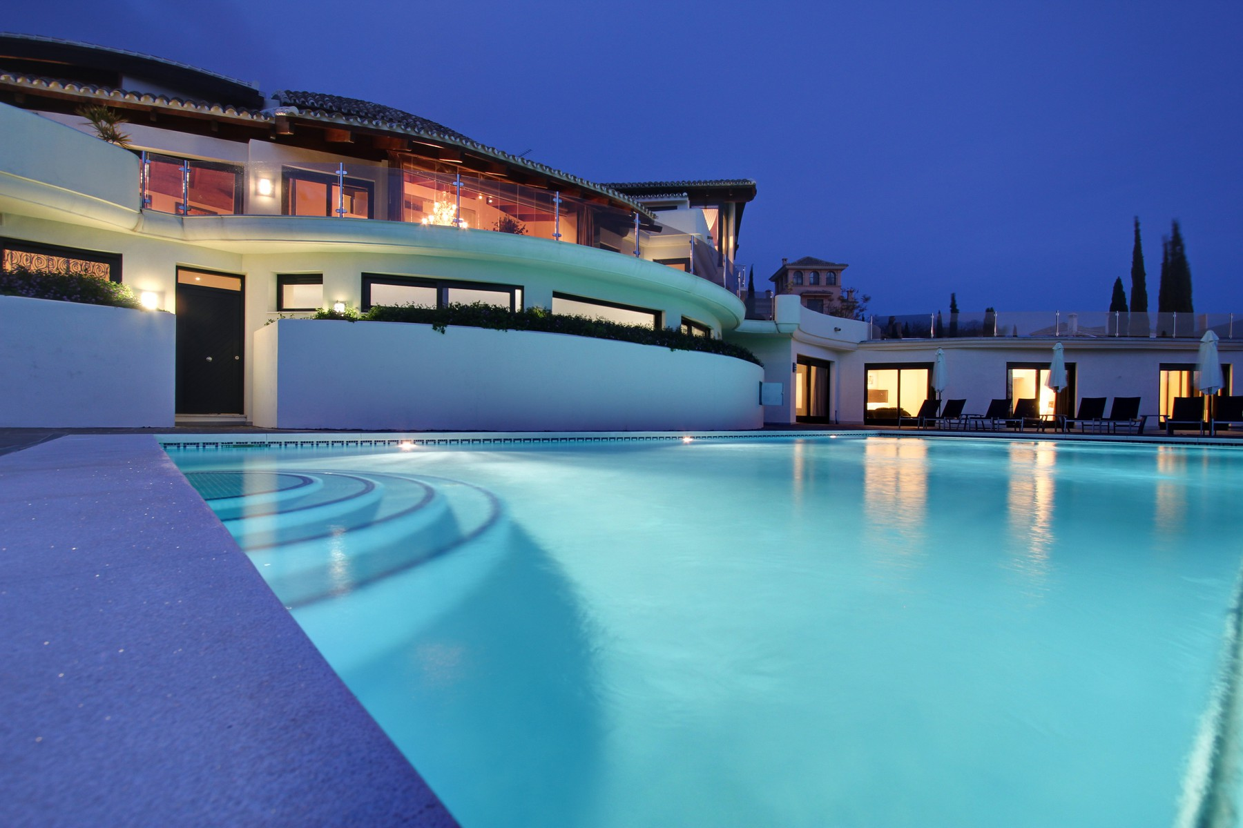 30-pool-at-dusk