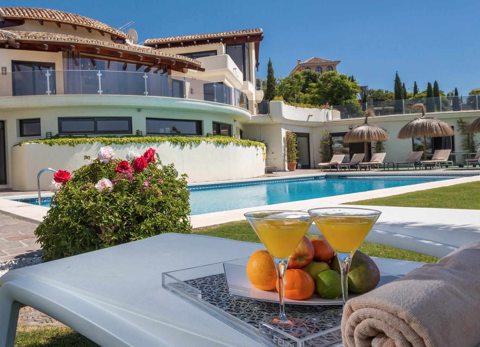 7-villa-el-cano-exterior-pool-finer-detail-2