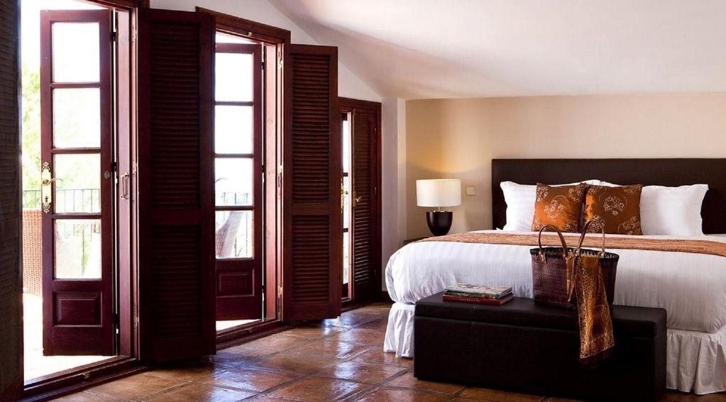 lara bedroom 3