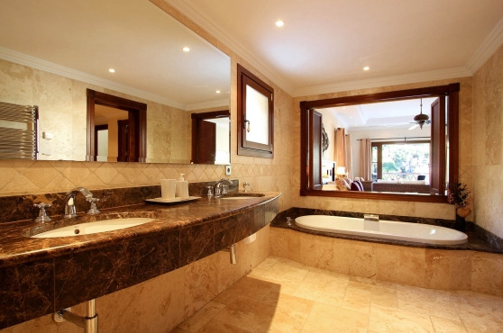 0070-GHF_Ensuite_Bathroom_1(1)