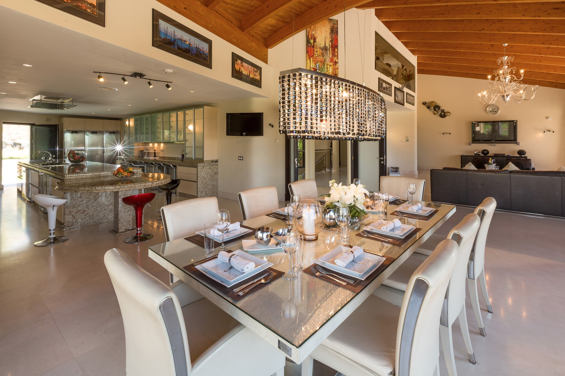 11-villa-el-cano-kitchen-dining-area