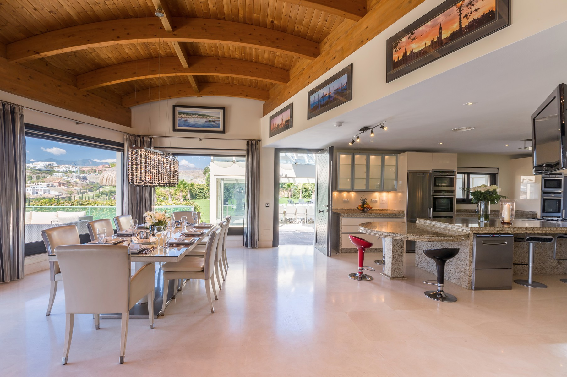 12-villa-el-cano-kitchen-dining-with-view