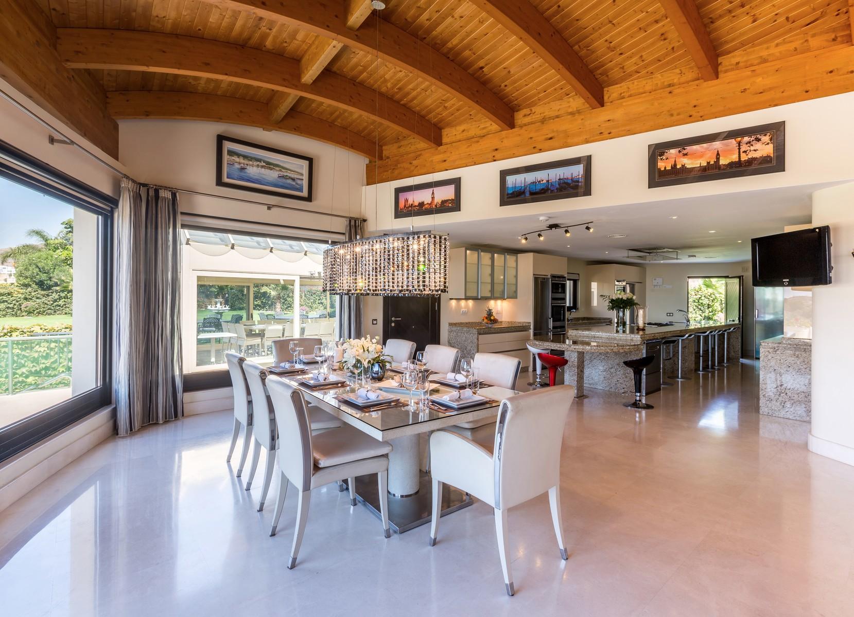 14-villa-el-cano-dining
