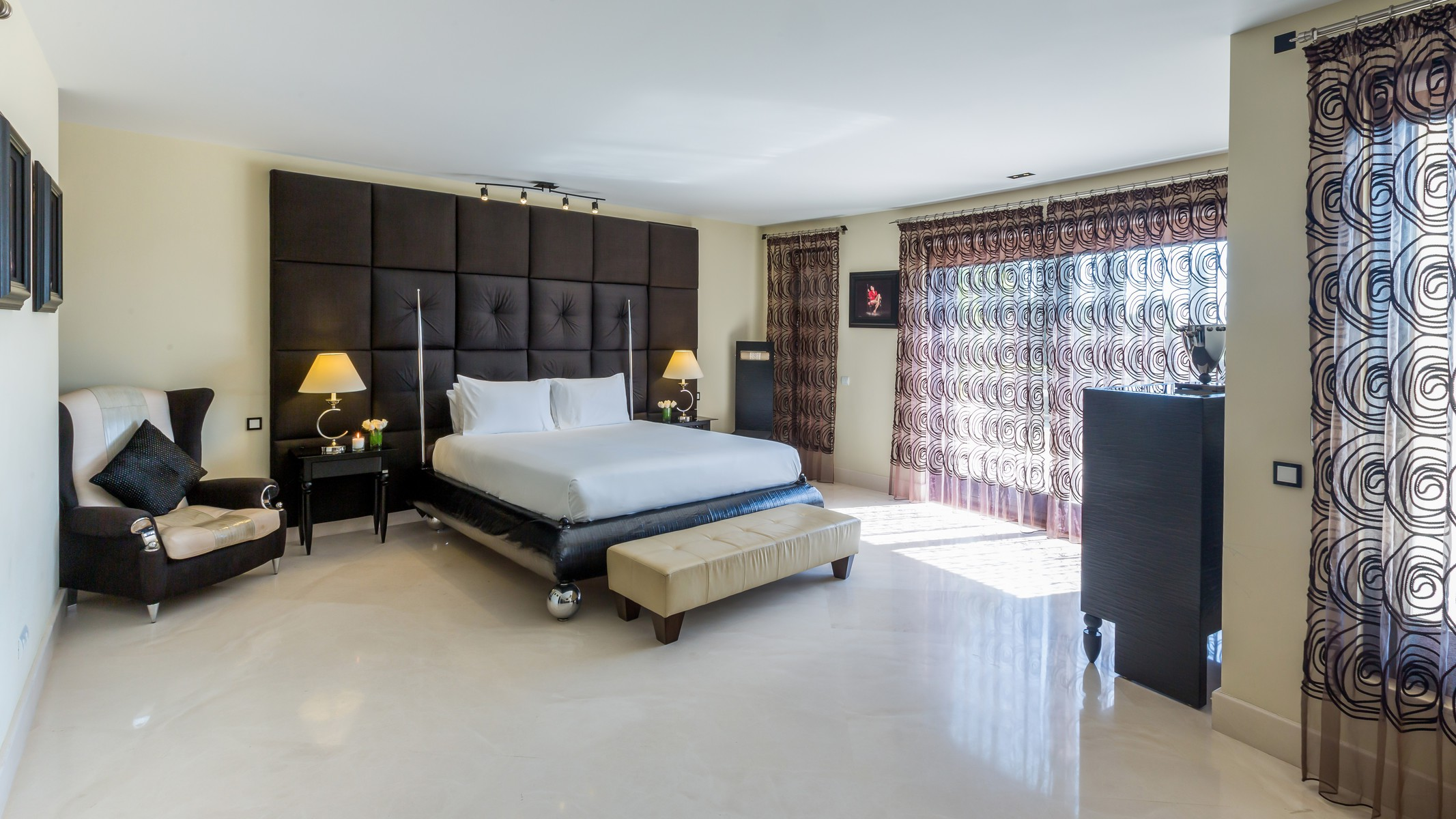 18-villa-el-cano-master-bedroom-ground-floor