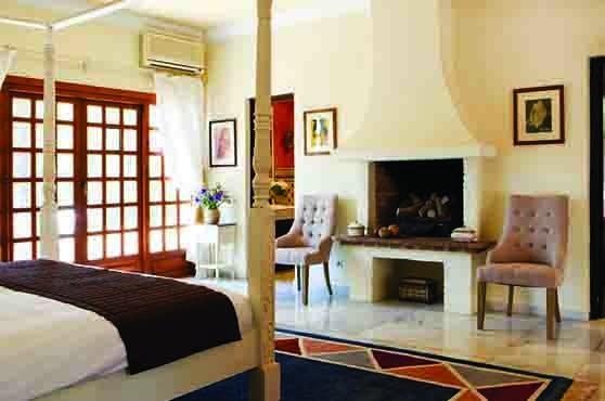This image has an empty alt attribute; its file name is Luxury-villas-Marbella-Villa-Dela-9-bedrooms.jpg