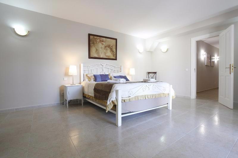Villa Rica bedroom 15