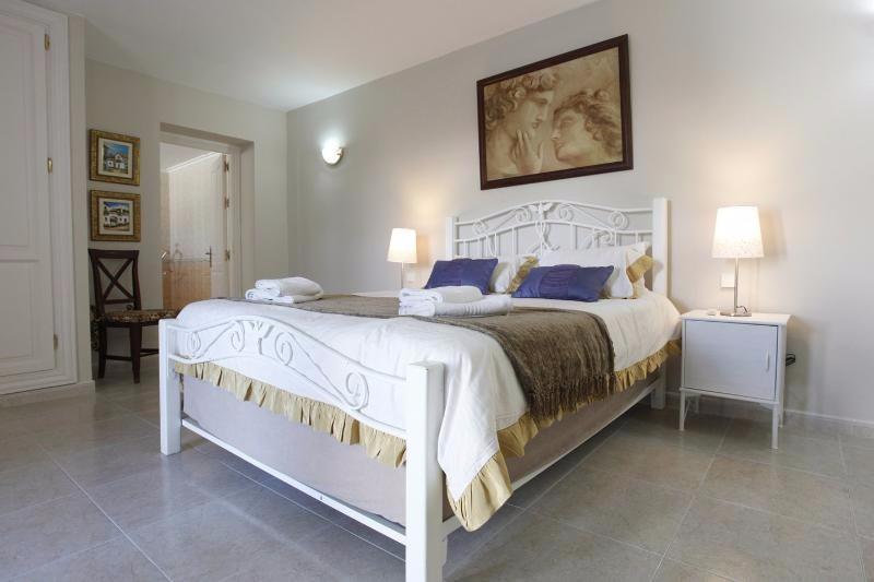 Villa Rica bedroom 16