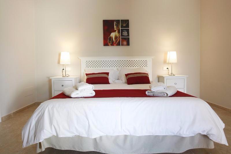 Villa Rica bedroom 18