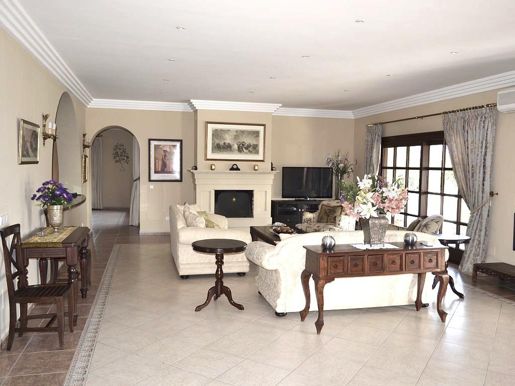 Villa Rica lounge