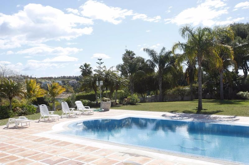 villa rica pool to gardens