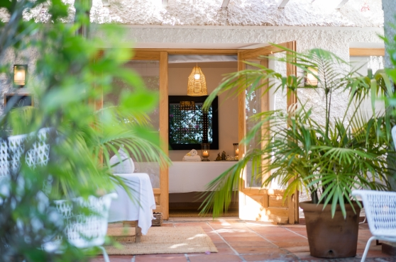 Marbella holiday villa massage room