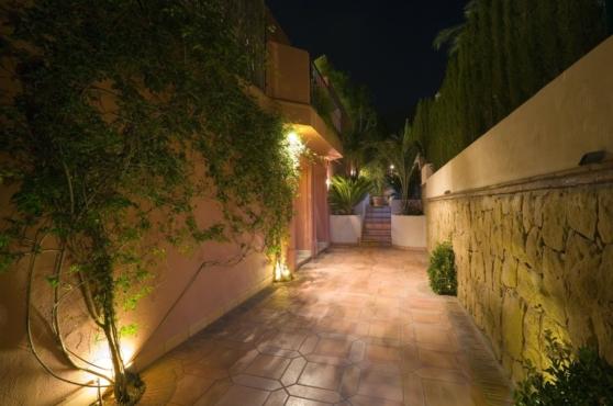 Holidays in Marbella Villa Blanca 16