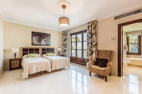 Holidays in Marbella Villa Blanca 29