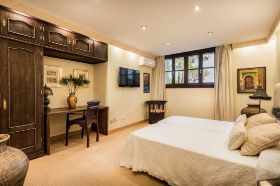 Holidays in Marbella Villa Blanca 33