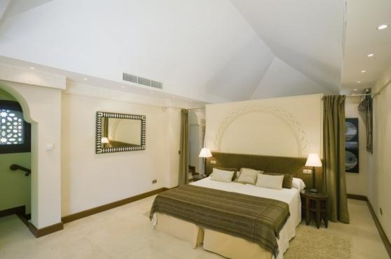 Holidays in Marbella Villa Blanca 39