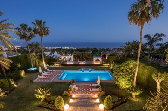 Holidays in Marbella Villa Blanca 4