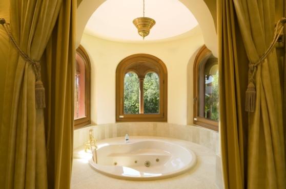 Holidays in Marbella Villa Blanca 40