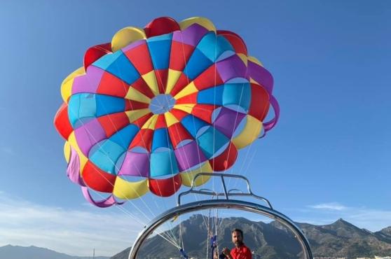 Activities in Marbella parasailing