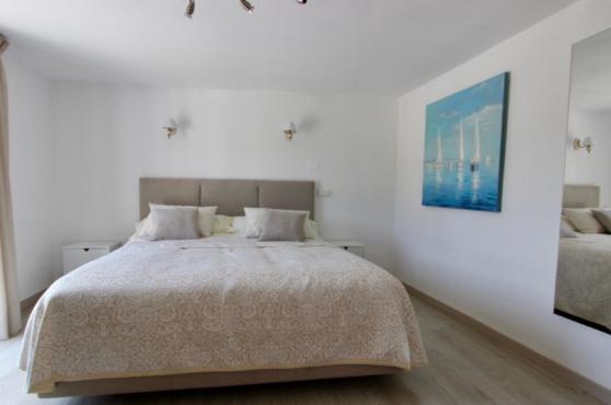 Villa Domino Elviria double bedroom