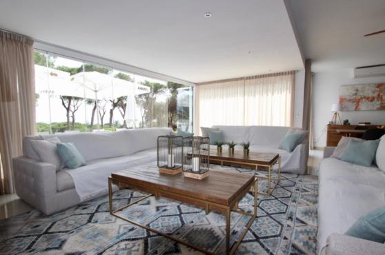 Villa Domino Elviria sofas
