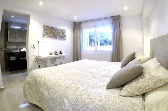 Villa Domino Marbella sleeps 22 – bedroom 8