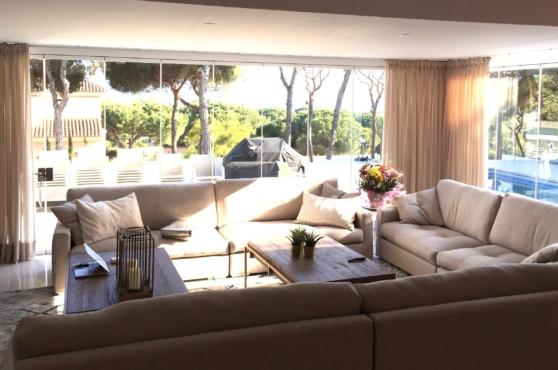 Villa Domino Marbella sleeps 22 – lounge with view