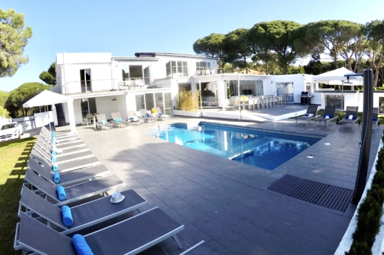 Villa Domino Marbella sleeps 22 – pool and house