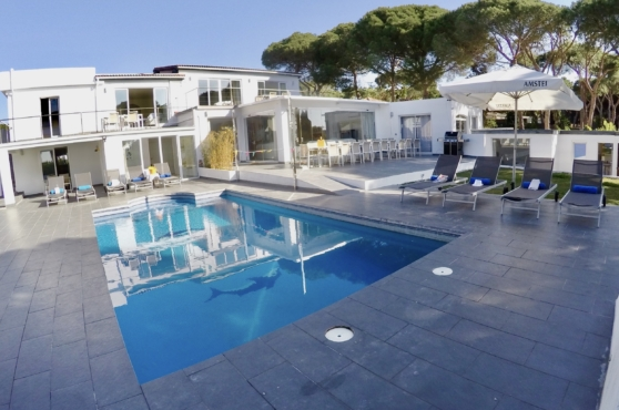 Villa Domino Marbella sleeps 22 – view of the pool