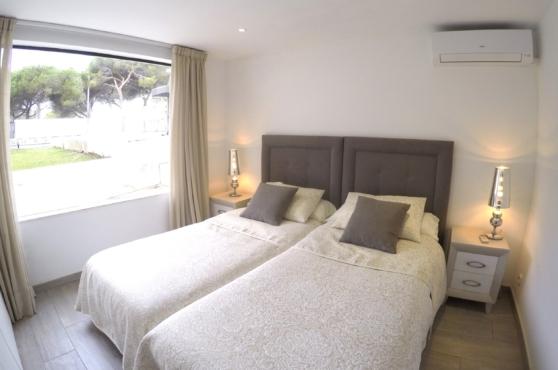 Villa Domino sleeps 22 – bedroom 6